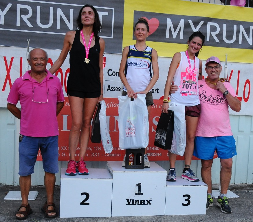 PODIO ASSOLUTE PINK RACE